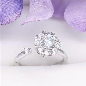 Jewelry - Spinning diamond CZ ring